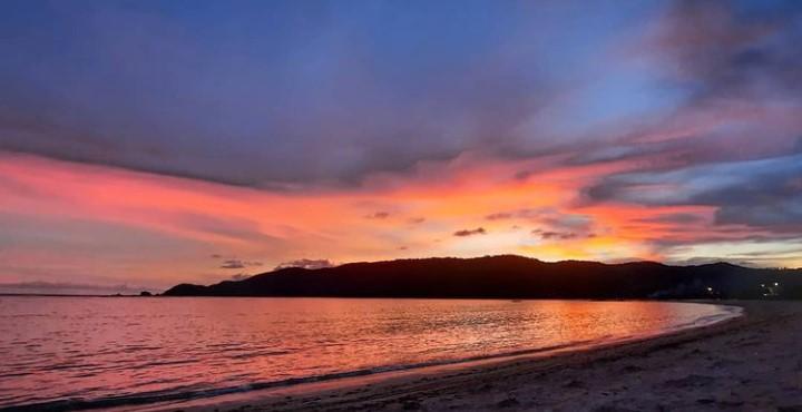 https: img.okezone.com content 2021 09 17 12 2472989 4-destinasi-dengan-sunset-yang-memesona-diindonesiaaja-87gEX5VxTh.jpg
