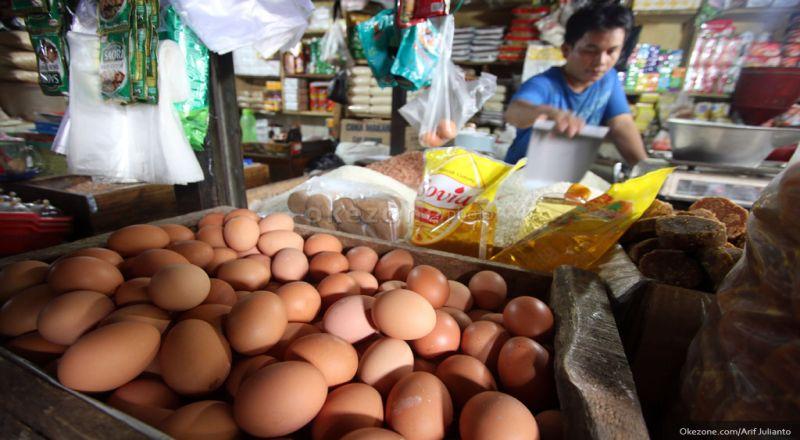 https: img.okezone.com content 2021 09 17 320 2473093 stok-bahan-pokok-aman-mendag-harga-beras-hingga-telur-turun-rRflsxLdQg.jpg