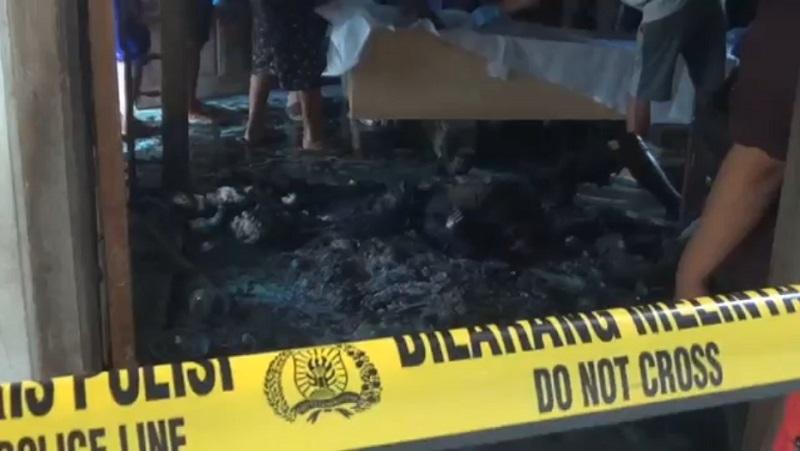 https: img.okezone.com content 2021 09 17 519 2473058 diduga-merokok-di-tempat-tidur-kakek-98-tahun-tewas-terbakar-di-rumahnya-RHJjcRui55.jpg