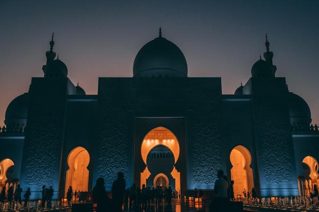 https: img.okezone.com content 2021 09 17 614 2472829 menyesal-pernah-ikut-hancurkan-masjid-pria-ini-masuk-islam-dan-bangun-100-masjid-4sVeUONb7S.jpg