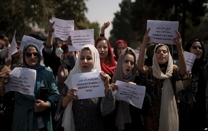https: img.okezone.com content 2021 09 20 18 2473813 wali-kota-kabul-pekerja-perempuan-harus-tinggal-di-rumah-9j6SMKjMPK.jpg