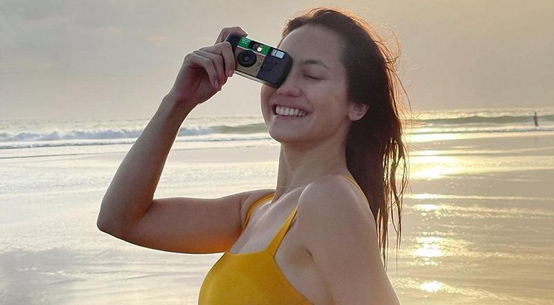 https: img.okezone.com content 2021 09 20 194 2474018 pose-pevita-pearce-berbalut-swimsuit-nikmati-sunset-bikin-meleleh-netizen-definisi-bidadari-bumi-TmHN6RKWzu.jpg