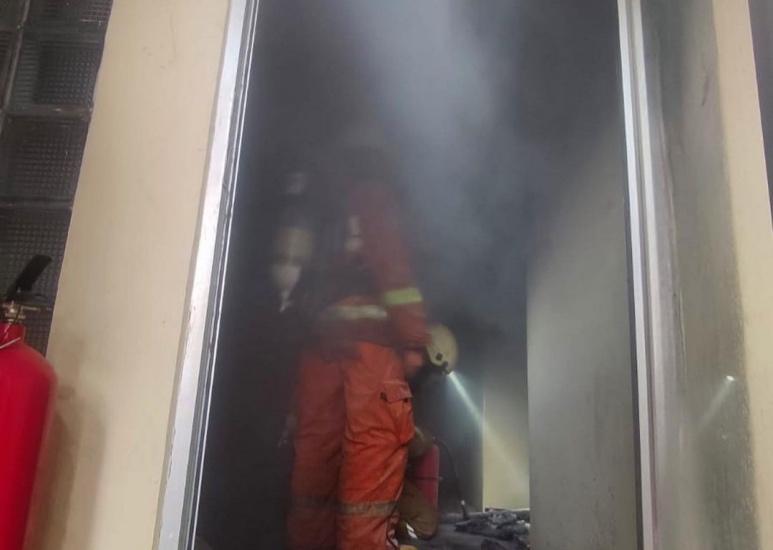 https: img.okezone.com content 2021 09 20 620 2474302 kebakaran-rusunami-bandar-kemayoran-ini-taksiran-kerugiannya-hvctTe2gq1.jpg