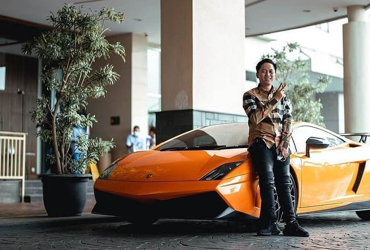 https: img.okezone.com content 2021 09 20 86 2474008 5-koleksi-mobil-sport-mewah-crazy-rich-bandung-doni-salmanan-0JEZHsZGzt.jpg