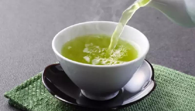 https: img.okezone.com content 2021 09 21 298 2474697 nyesel-baru-tau-ternyata-ini-waktu-terbaik-minum-teh-hijau-mfd0Nd27q2.jpg