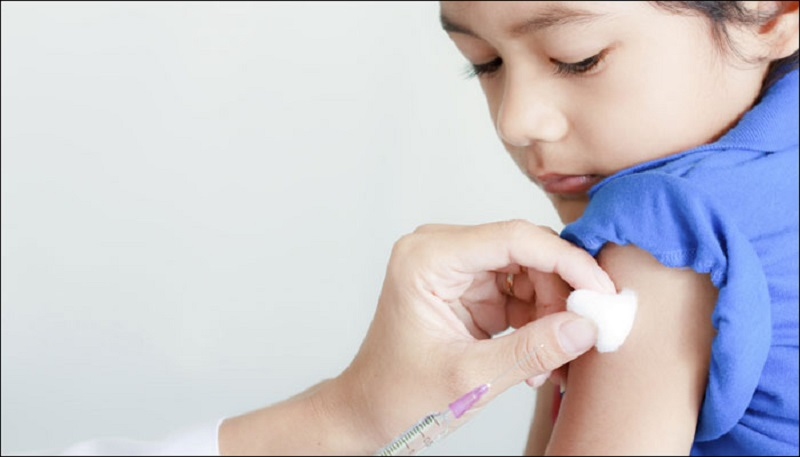 https: img.okezone.com content 2021 09 21 612 2474344 anak-bayi-usia-6-bulan-bisa-terima-vaksin-covid-19-apa-efek-sampingnya-Cfo97w8Gg3.jpg
