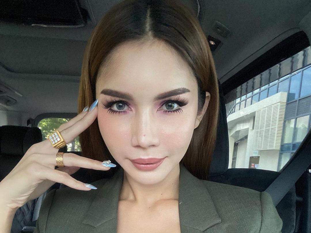 https: img.okezone.com content 2021 09 22 18 2474982 malaysia-minta-thailand-ekstradisi-transgender-nur-sajat-sYWzKGYWI5.jpg