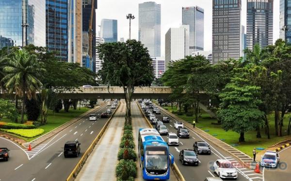https: img.okezone.com content 2021 09 22 320 2475266 4-fakta-adb-turunkan-proyeksi-pertumbuhan-ekonomi-indonesia-BD0n6EedFz.jpg