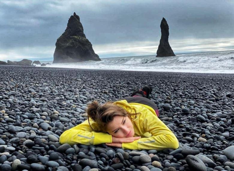 https: img.okezone.com content 2021 09 22 408 2475269 deretan-pantai-ajaib-di-islandia-indahnya-serasa-masuk-negeri-dongeng-EJC5Icj45H.JPG