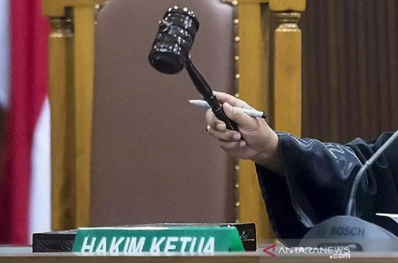 https: img.okezone.com content 2021 09 23 244 2475483 hamili-abg-penjual-burger-di-denpasar-divonis-8-tahun-penjara-ZQnipoycta.jpg