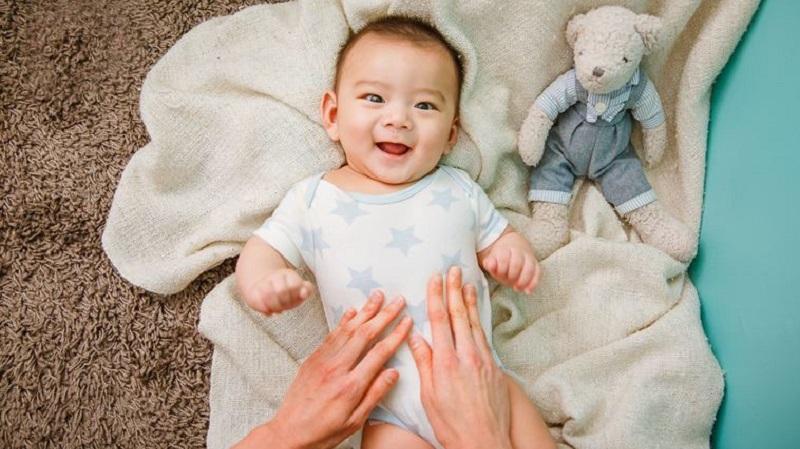 https: img.okezone.com content 2021 09 23 481 2475609 10-cara-mengatasi-perut-kembung-pada-bayi-senyumnya-kembali-ceria-xQVw7mHYoB.jpg