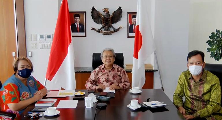 https: img.okezone.com content 2021 09 24 18 2476402 kbri-tokyo-dukung-game-lokal-indonesia-mendunia-melalui-event-tokyo-game-show-2021-FSM9bwxWD4.jpeg