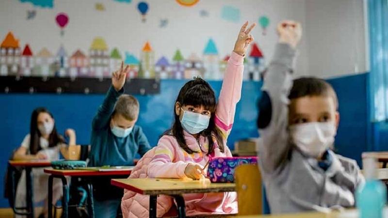 https: img.okezone.com content 2021 09 24 481 2476232 pakar-kesehatan-minta-ptm-dievaluasi-imbas-munculnya-klaster-sekolah-hUPbqqlDDW.jpg