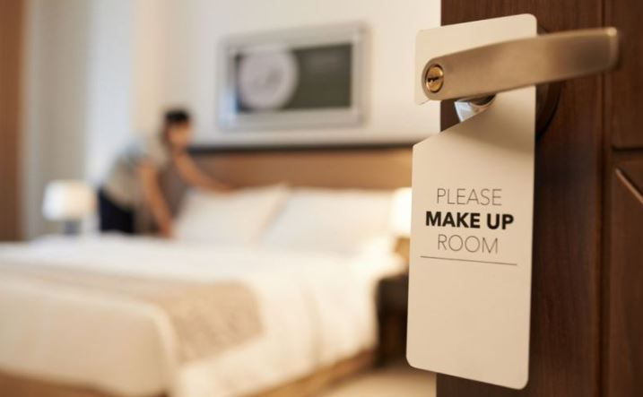 https: img.okezone.com content 2021 09 24 549 2476129 mau-dapat-kamar-hotel-dengan-tarif-termurah-praktikkan-cara-ini-PuSApRebnT.JPG