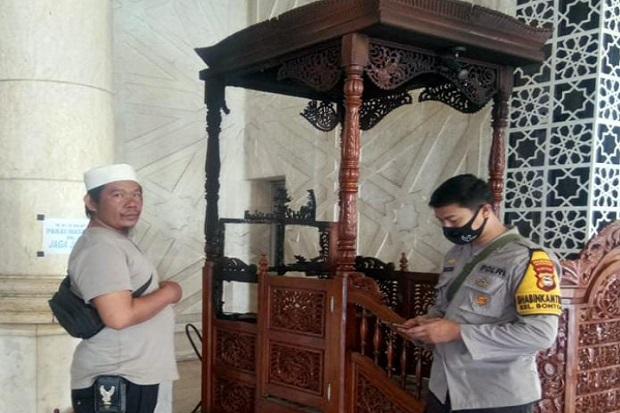 https: img.okezone.com content 2021 09 25 609 2476636 breaking-news-mimbar-masjid-raya-makassar-dibakar-B31roaBBuM.jpg