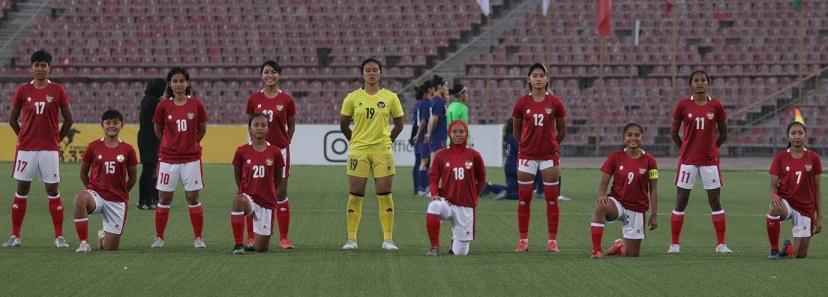https: img.okezone.com content 2021 09 27 51 2477768 hasil-timnas-putri-indonesia-vs-singapura-menang-1-0-garuda-pertiwi-lolos-ke-piala-asia-2022-h2iVC44DOR.jpg