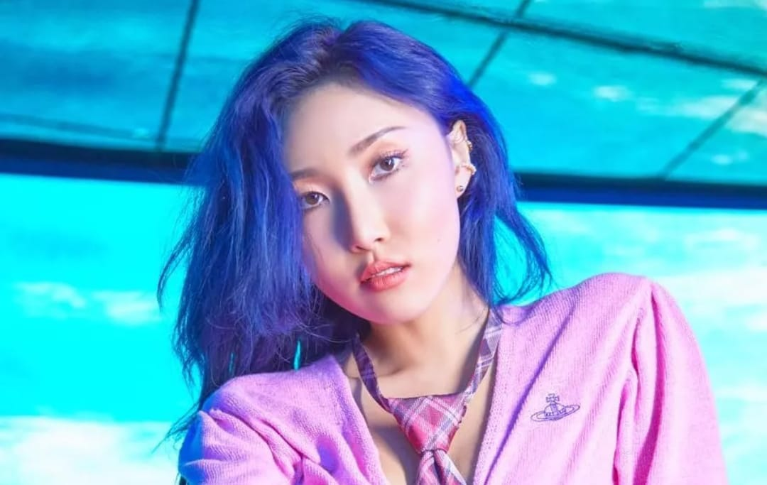 https: img.okezone.com content 2021 09 29 205 2478496 hwasa-mamamoo-bersiap-untuk-comeback-solo-iKOUrErJGG.jpeg