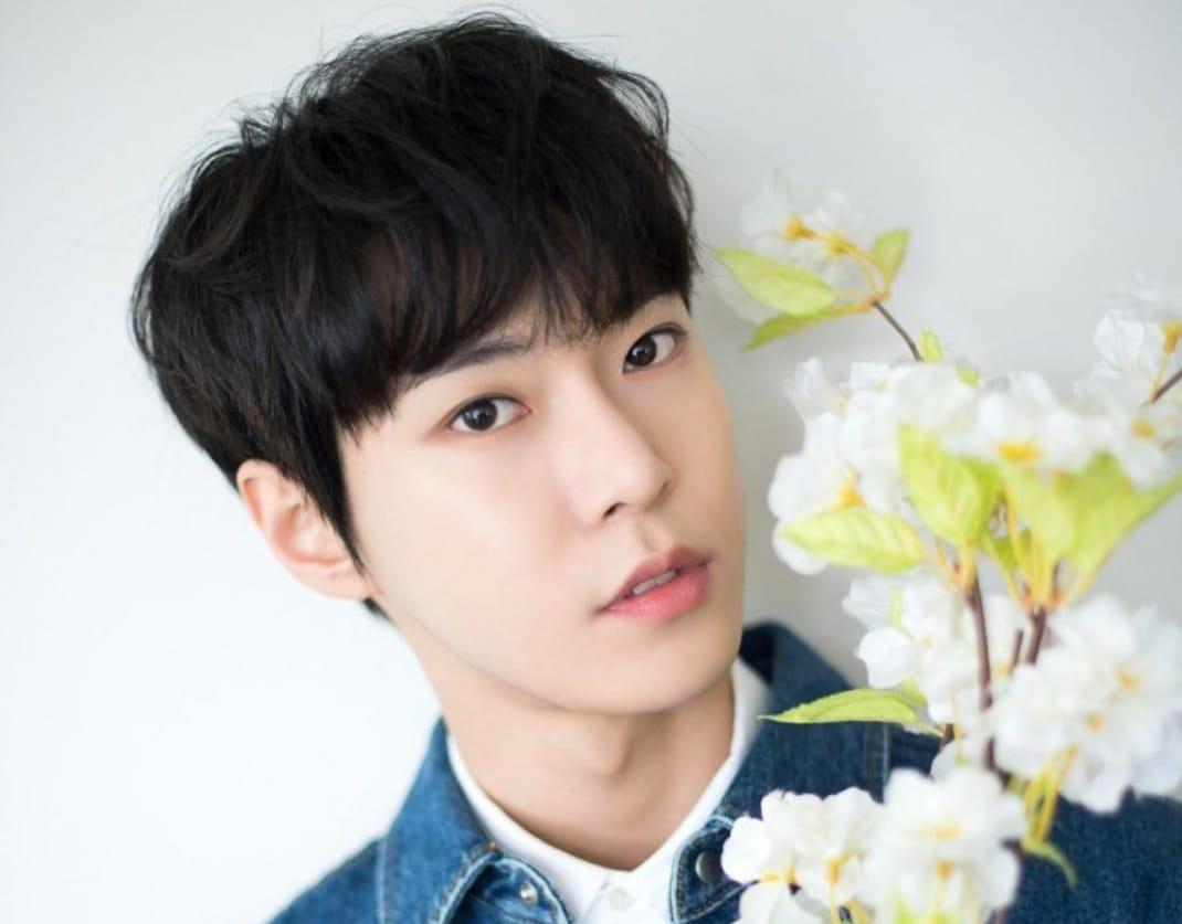 https: img.okezone.com content 2021 09 30 205 2479495 doyoung-nct-jadi-pengisi-ost-drama-korea-yumi-cells-NFfNbJiCMn.jpeg