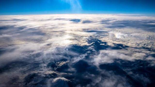 https: img.okezone.com content 2021 10 01 614 2479904 mengapa-lautan-serta-angin-bisa-melekat-dengan-bumi-ini-penjelasan-alquran-dan-sains-cUJaJEIxUk.jpg