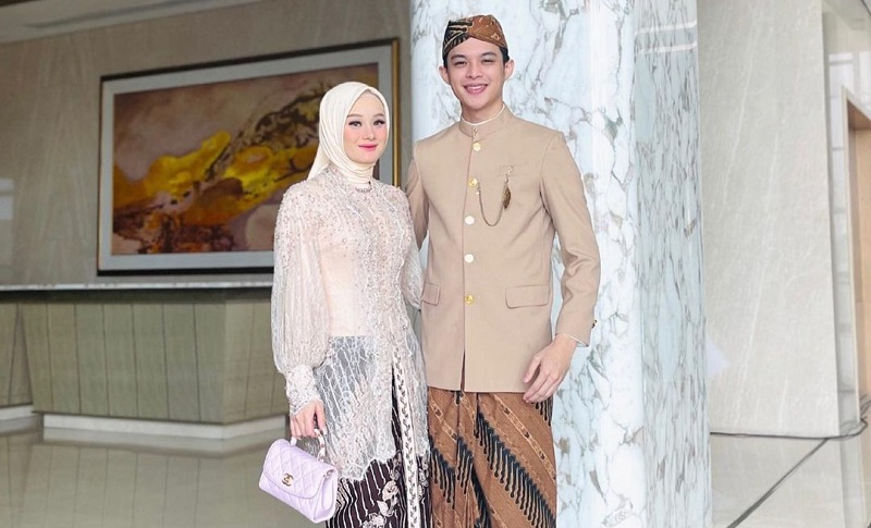 https: img.okezone.com content 2021 10 04 620 2481030 foto-dinda-hauw-tanpa-hijab-masih-beredar-rey-mbayang-marah-ZBHrk0uj7Z.jpg