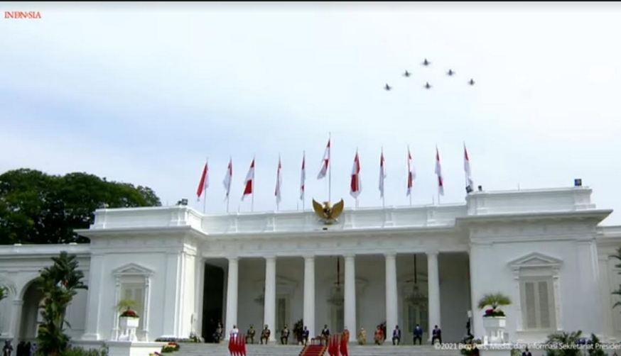 https: img.okezone.com content 2021 10 05 620 2481470 ini-formasi-pesawat-tempur-pada-hut-tni-ke-76-di-langit-istana-merdeka-OKb4X4Jpzn.JPG