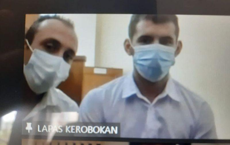 https: img.okezone.com content 2021 10 06 244 2482447 2-wn-turki-divonis-30-bulan-penjara-terkait-kasus-skimming-YkuaZp5pDZ.jpg