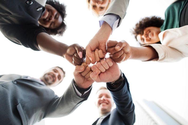 https: img.okezone.com content 2021 10 07 65 2482668 prospek-kerja-hubungan-internasional-menarik-banget-uUq1Dyf1u4.jpg