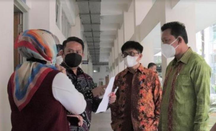 https: img.okezone.com content 2021 10 07 65 2482905 catat-dosen-dan-mahasiswa-uin-yogya-yang-belum-vaksin-dilarang-ikuti-ptm-iGOj88KOVe.jpg