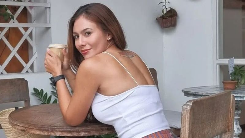 https: img.okezone.com content 2021 10 08 194 2483424 5-outfit-seksi-ala-wulan-guritno-yang-makin-hot-netizen-kamu-selalu-menggetarkan-TMt0YoSRA3.jpg