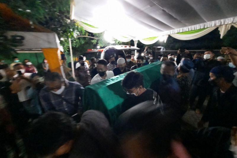 https: img.okezone.com content 2021 10 08 519 2483530 kabar-duka-wakil-wali-kota-mojokerto-meninggal-dunia-KelsTvRGHT.jpg