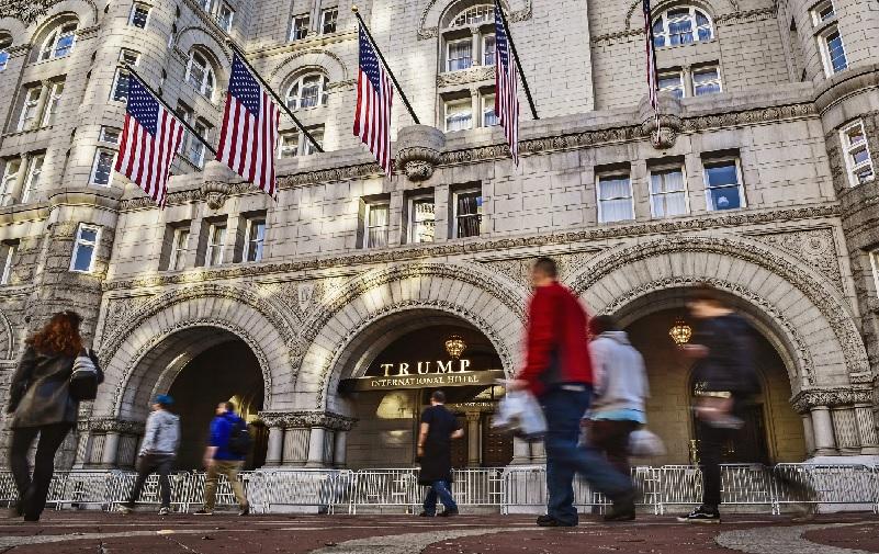 https: img.okezone.com content 2021 10 09 18 2483747 trump-klaim-hotel-miliknya-rugi-rp998-miliar-selama-menjabat-jadi-presiden-as-JbzxDGKPk5.jpg