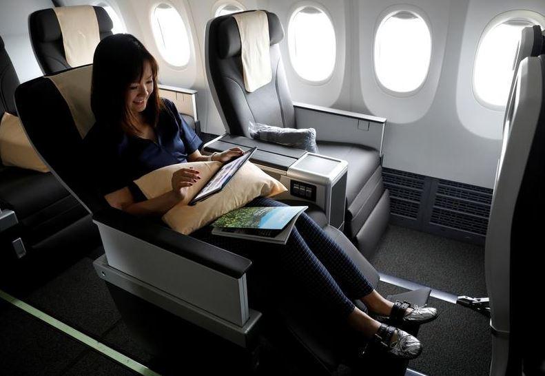 https: img.okezone.com content 2021 10 09 406 2483815 sstt-pramugari-bocorkan-rahasia-upgrade-ke-kelas-bisnis-gampang-banget-hZGtE11sTV.JPG