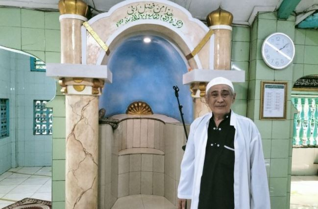 https: img.okezone.com content 2021 10 09 408 2483681 masjid-peninggalan-tuan-guru-mansur-berusia-3-abad-bakal-punya-museum-yuk-pelajari-sejarahnya-qzXvPokQIW.JPG