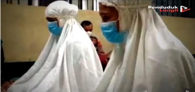 https: img.okezone.com content 2021 10 10 621 2484104 dapat-hidayat-islam-di-dalam-tahanan-2-narapidana-wanita-ini-mantap-ucap-syahadat-gYhHa9ybkr.jpg