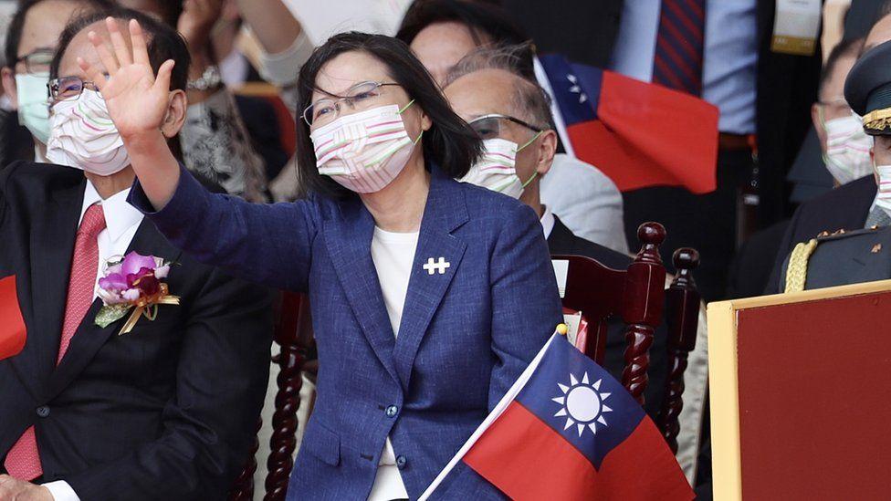https: img.okezone.com content 2021 10 11 18 2484398 presiden-taiwan-tidak-akan-tunduk-pada-tekanan-china-tolak-upaya-reunifikasi-h50VH9gEhK.jpg