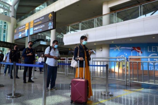 https: img.okezone.com content 2021 10 11 406 2484285 bandara-ngurah-rai-gelar-simulasi-kedatangan-turis-asing-ini-prosedur-yang-harus-dilewati-bWFSW83Ktl.JPG
