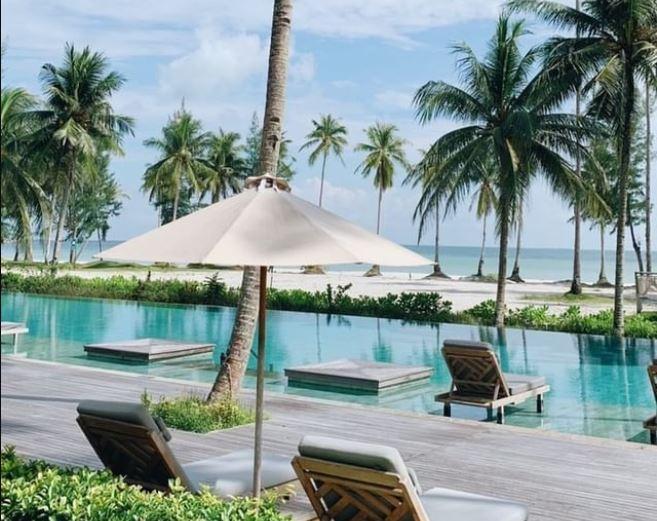 https: img.okezone.com content 2021 10 11 406 2484297 kepri-terima-turis-asing-lagi-lagoi-jadi-proyek-percontohan-x5RtjC3Baw.JPG