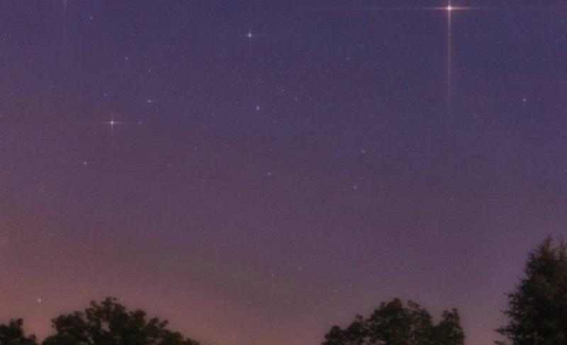 https: img.okezone.com content 2021 10 11 56 2484384 deretan-fenomena-langit-pekan-kedua-oktober-perige-bulan-hingga-konjungsi-tripel-fs6YkmtmQq.jpg