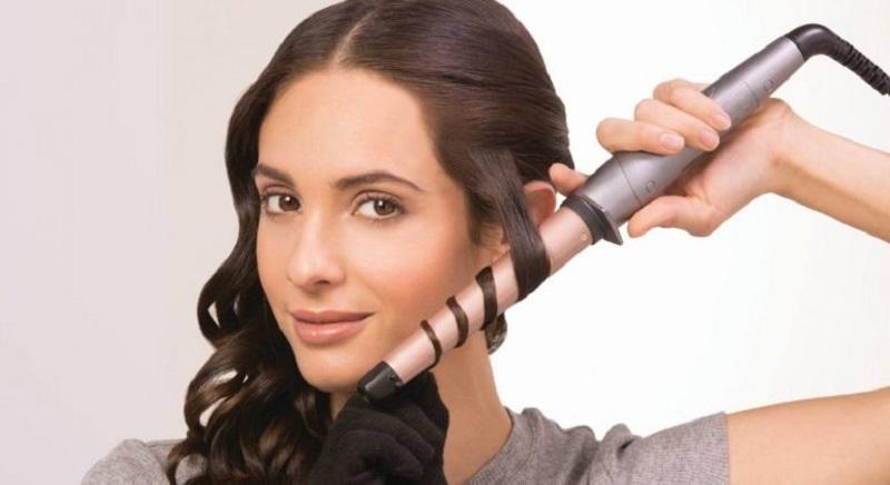 https: img.okezone.com content 2021 10 11 611 2484561 4-alat-penata-rambut-yang-wajib-dimiliki-say-goodbye-to-bad-hair-day-TPJzxYS51T.jpg