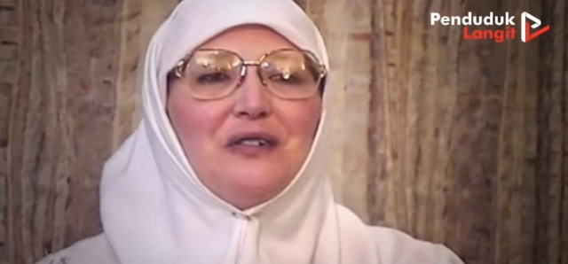 https: img.okezone.com content 2021 10 11 621 2484565 32-tahun-jadi-pemuka-agama-wanita-inggris-ini-dapat-hidayah-dan-masuk-islam-BUSj93Z3rw.jpg