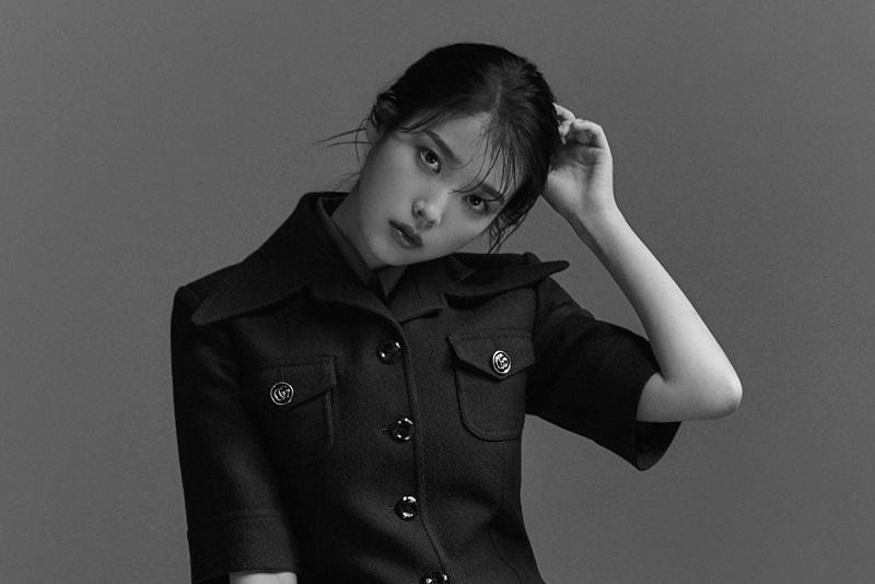 https: img.okezone.com content 2021 10 12 205 2485362 setelah-7-bulan-iu-comeback-lewat-single-strawberry-moon-cpKOayNtRb.jpg