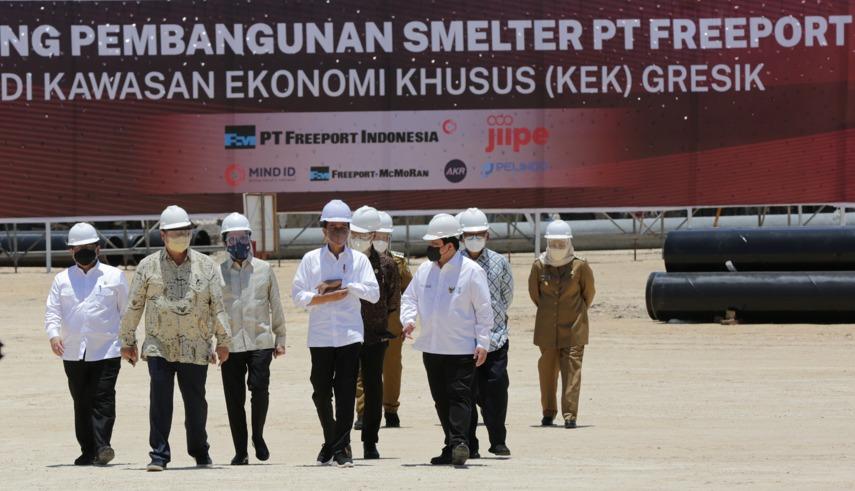 https: img.okezone.com content 2021 10 12 320 2485197 ri-punya-smelter-terbesar-di-dunia-senilai-rp42-triliun-yUqFgkTlz3.jpg