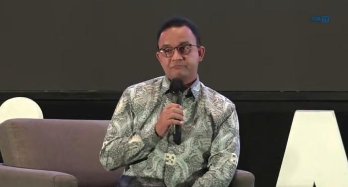 https: img.okezone.com content 2021 10 12 338 2484998 keliling-indonesia-usai-tak-menjabat-gubernur-dki-rencana-anies-selanjutnya-mengejutkan-R98WX1WRkV.jpg