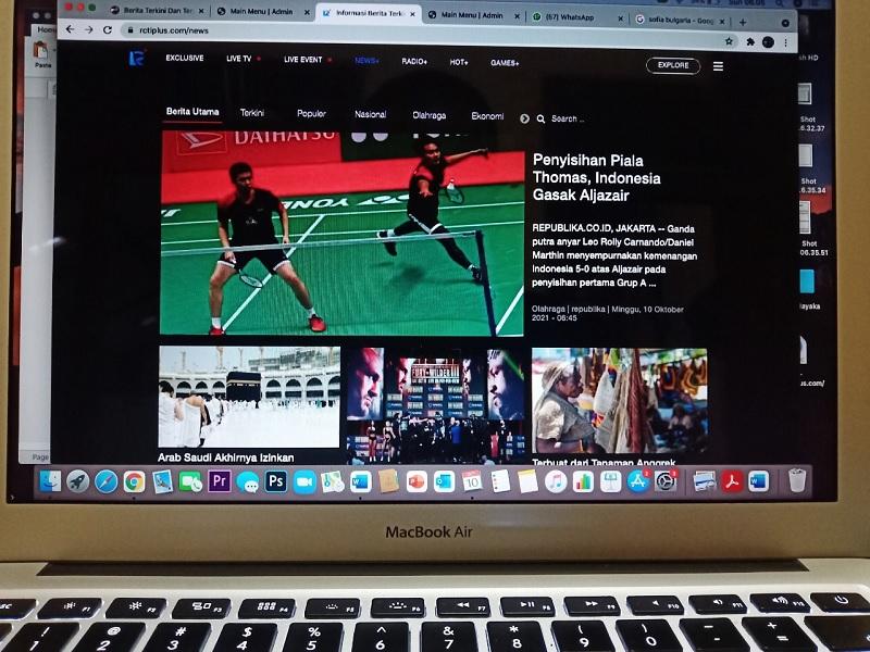 https: img.okezone.com content 2021 10 12 40 2484985 tim-indonesia-berlaga-di-piala-thomas-dan-uber-baca-beritanya-di-news-rcti-8x13IjsVx2.jpg