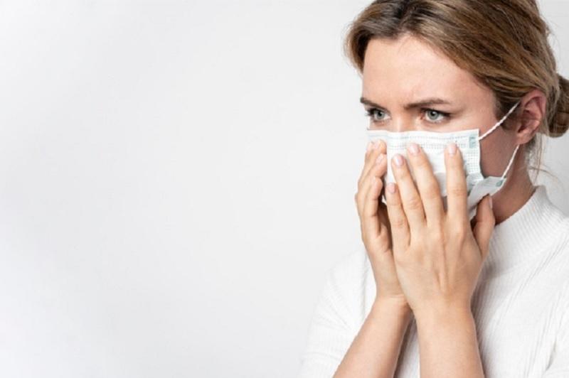 https: img.okezone.com content 2021 10 12 481 2484814 pandemi-terbukti-tingkatkan-jumlah-orang-depresi-dan-cemas-qUGzUsJk7P.jpg