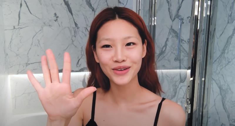 https: img.okezone.com content 2021 10 12 611 2484912 tutorial-makeup-5-menit-ala-jung-ho-yeon-squid-game-cantik-enggak-pakai-ribet-qGzLhnPF0H.jpg