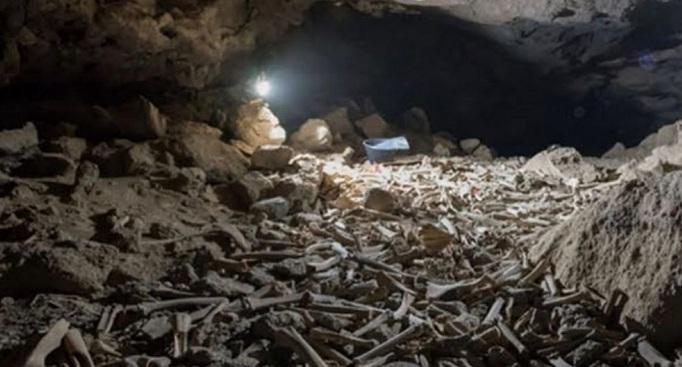 https: img.okezone.com content 2021 10 13 18 2485627 ribuan-tulang-belulang-hewan-dan-manusia-ditemukan-di-gua-bawah-tanah-arab-saudi-38LVjvMpYj.jpg