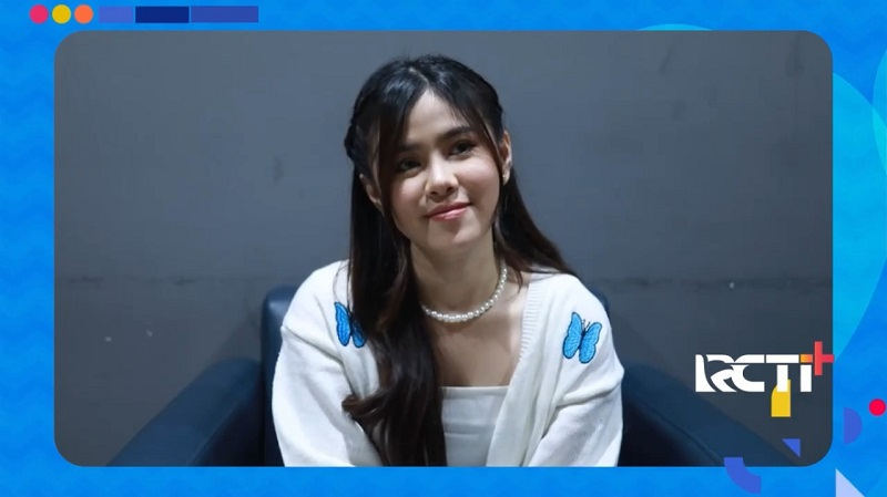 https: img.okezone.com content 2021 10 13 205 2485583 lulus-dari-indonesian-idol-melisa-hart-sibuk-promosi-single-GvGcliowv8.jpeg
