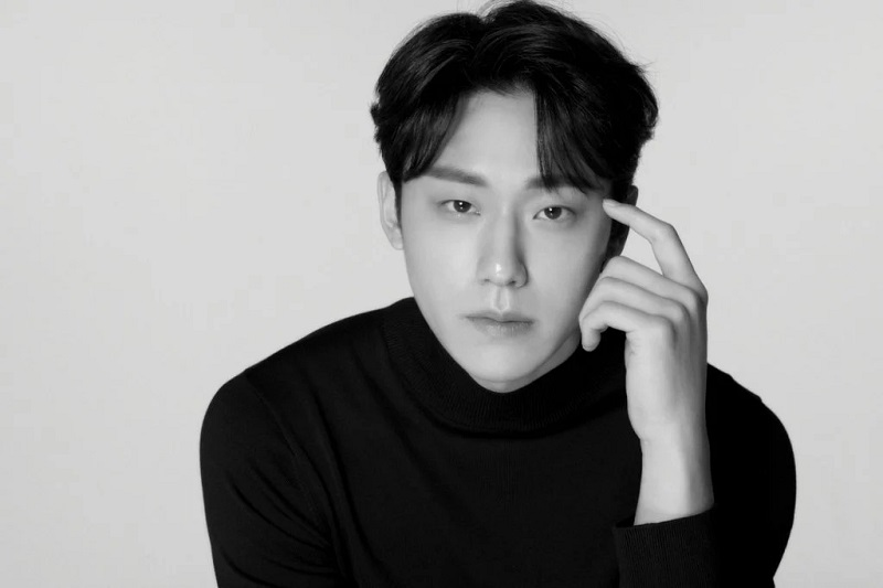 https: img.okezone.com content 2021 10 13 206 2485644 lee-do-hyun-pertimbangkan-gabung-drama-baru-song-hye-kyo-DvTDToTMdt.JPG