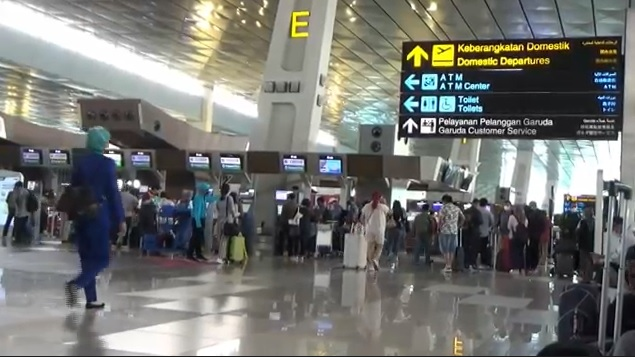 https: img.okezone.com content 2021 10 13 337 2485606 ppkm-dilonggarkan-jumlah-penumpang-bandara-soetta-naik-drastis-UCnMnEV0Z5.jpg